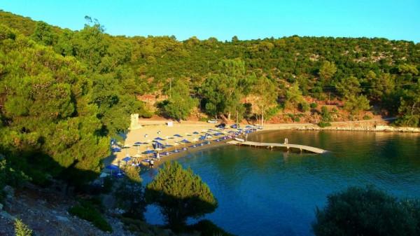 rosikos beach1